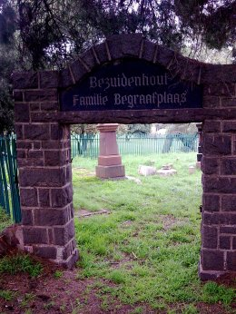 Bezuidenhout cemetary gates 2011