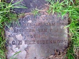 Daugher of FJ and JCE Bezhuidenhout grave stone