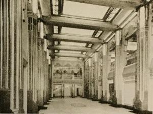 Colloseum foyer