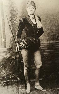Fillis Circus - Rose Bell