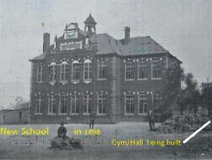 Duetsche Schule main building